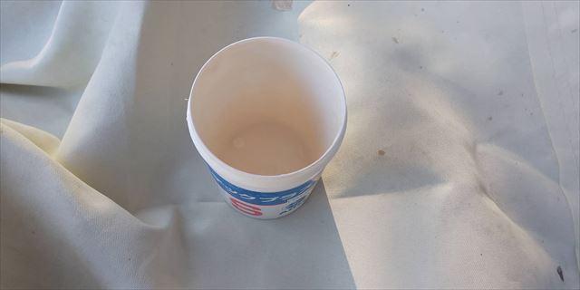 外壁の上塗り缶に防カビ剤投入