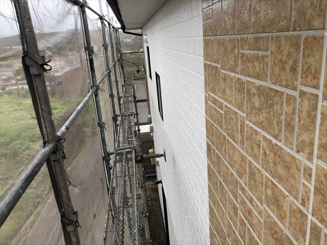 恵那市で超低汚染リファインで外壁塗装 上塗り完了