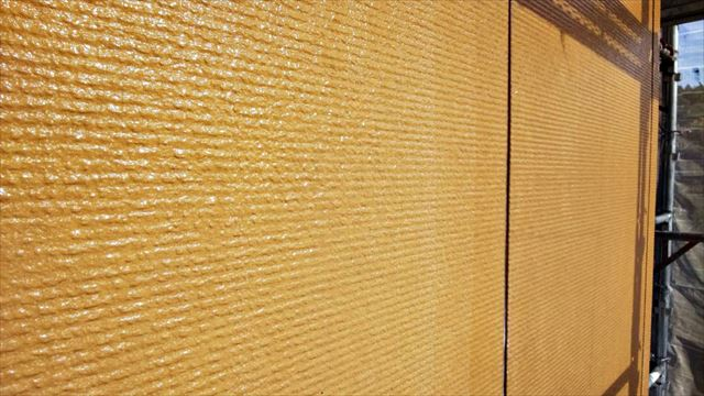 土岐市、外壁の中塗り塗装