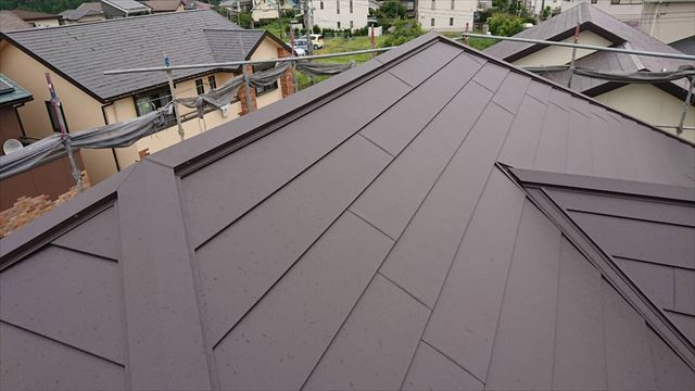 屋根棟板金被せ