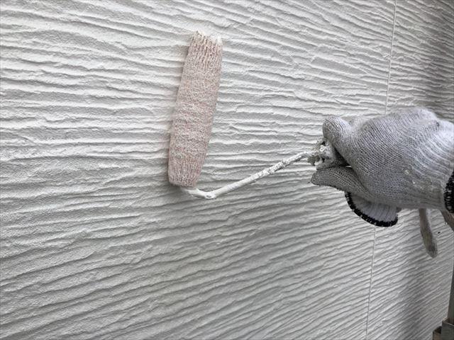 瑞浪市で屋根外壁塗装 外壁中塗り