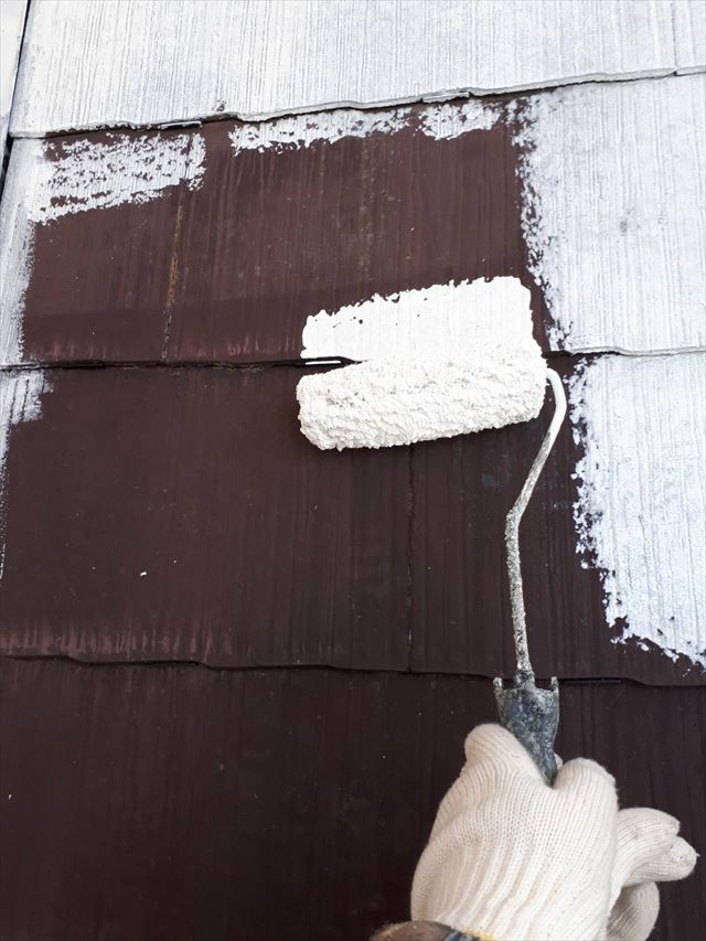 多治見市、屋根の下塗り