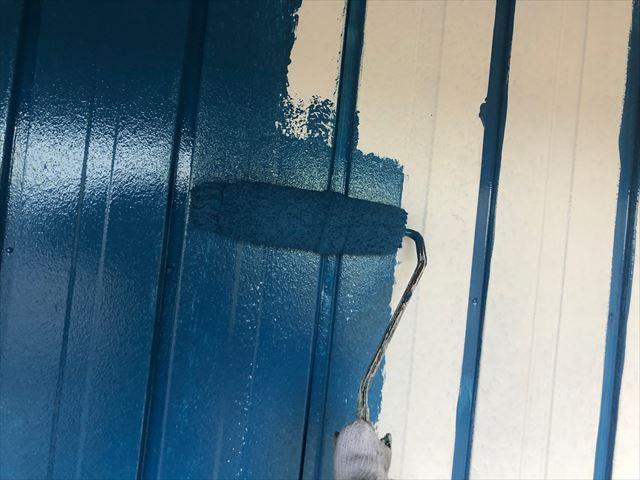 恵那市長島町で外壁塗装中塗り塗装