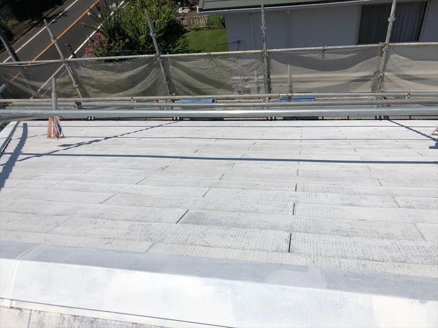 スレート屋根の下塗り塗装、完了