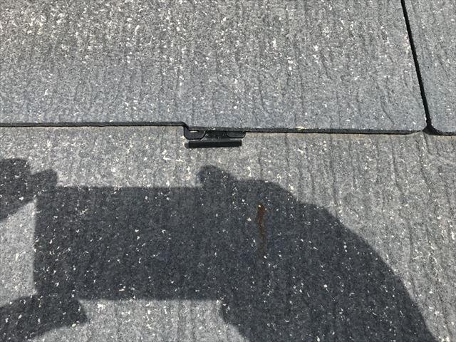 恵那市大井町屋根にタスペーサー取付