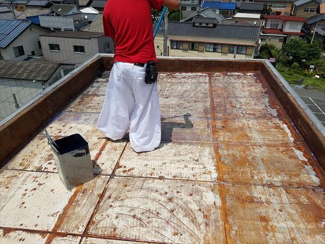 可児市防水のプライマーを塗布