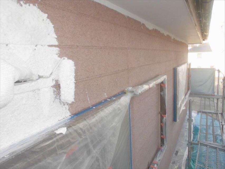 多治見市北丘町外壁下塗り