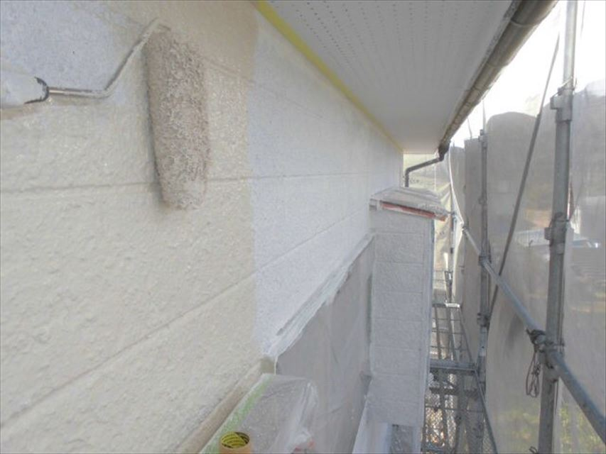 多治見市北丘町外壁中塗り