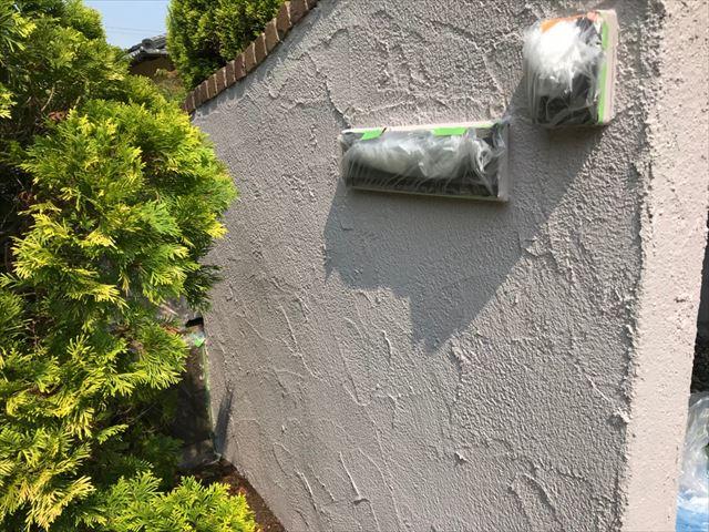 ブロック塀の中塗り塗装です