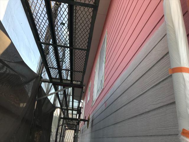 恵那市で外壁塗装中塗り