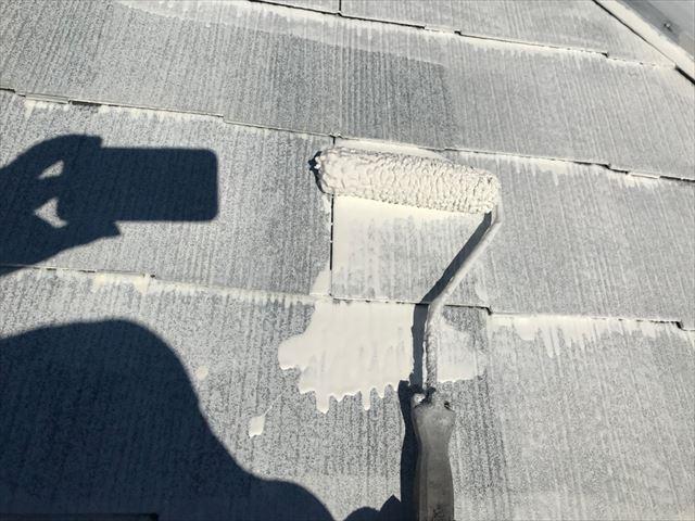 可児市緑ヶ丘で屋根下塗り