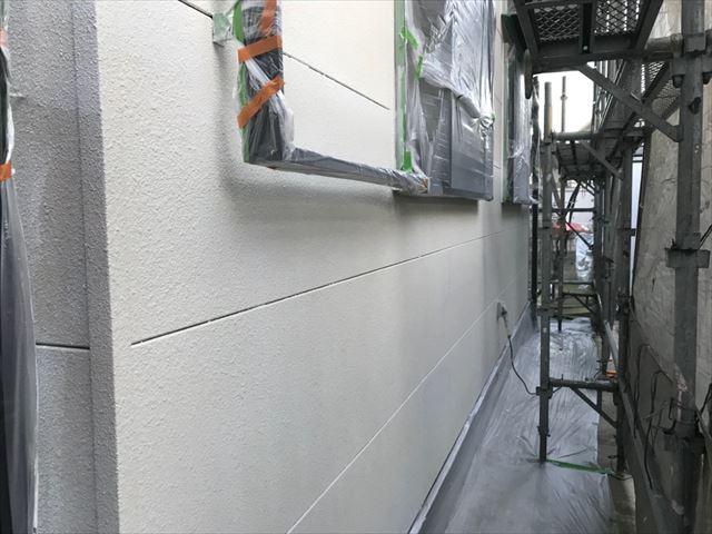 可児市緑ヶ丘で外壁下塗り