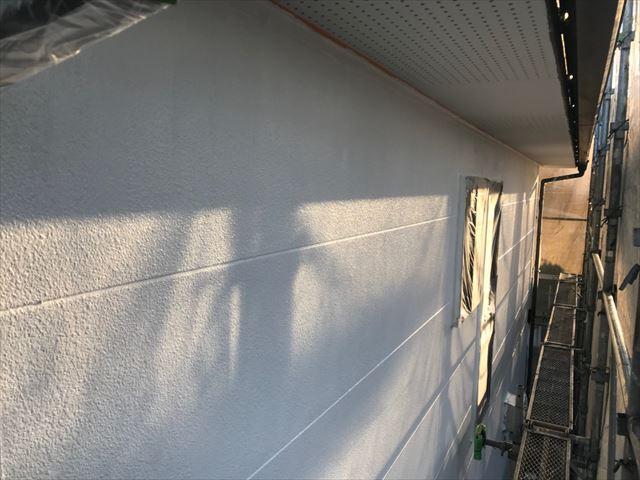 可児市緑ヶ丘で外壁上塗り1回目