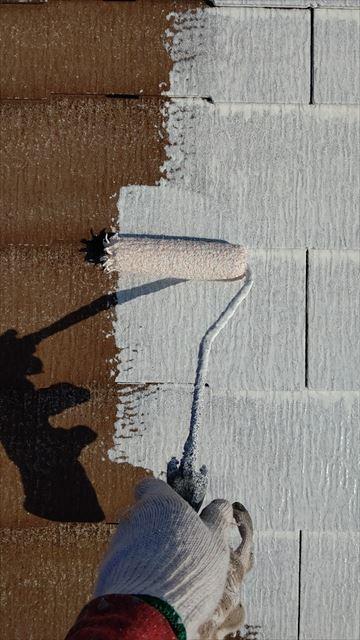 多治見市小名田町で屋根下塗り1回目