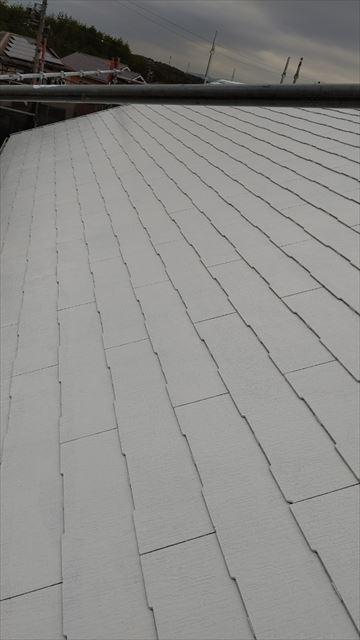 多治見市小名田町で屋根下塗り2回目完了