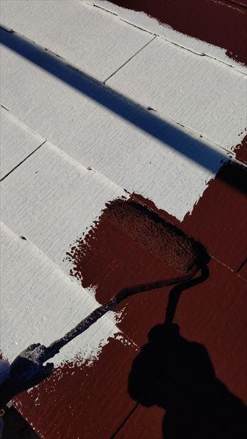 多治見市小名田町で屋根塗装中塗り