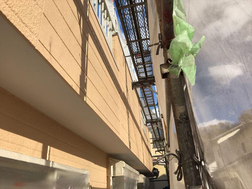 多治見市市之倉町外壁雨で汚れが落ちる