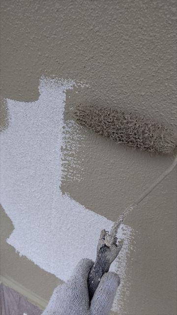 瑞浪市陶町で外壁塗装中塗り完了