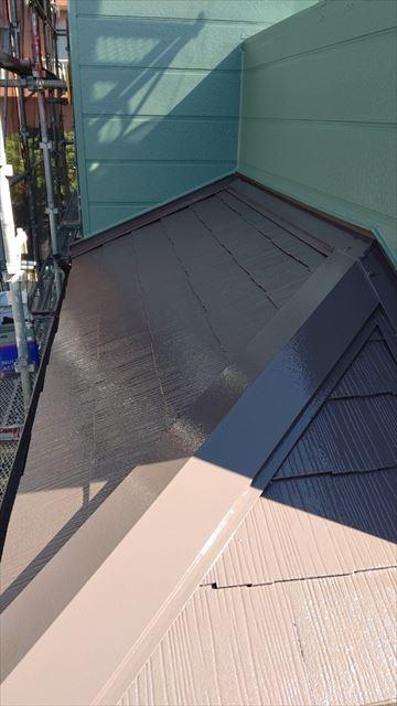 中津川市中津川で屋根外壁塗装屋根上塗り