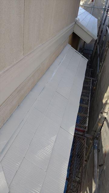 多治見市滝呂町で屋根小庇下塗り塗装