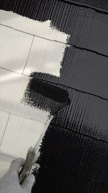 多治見市滝呂町で屋根中塗り