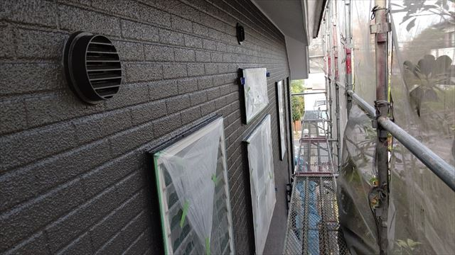 多治見市滝呂町で屋根外壁塗装外壁上塗り完成