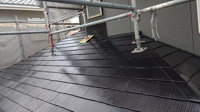 多治見市滝呂町で屋根外壁塗装屋根上塗り塗装