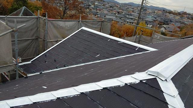 多治見市滝呂町で屋根下塗り