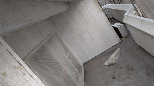 多治見市滝呂町で外壁下塗り