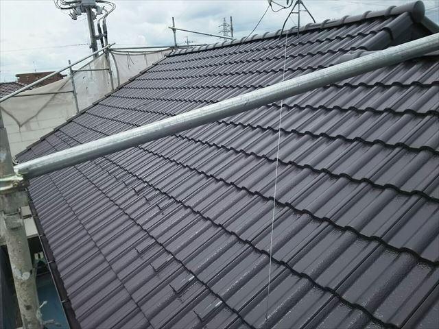 モニエル瓦屋根の上塗り塗装、完了です