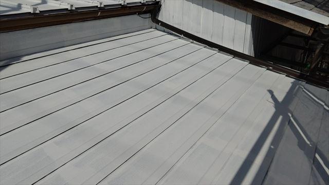 スレート屋根の下塗り塗装