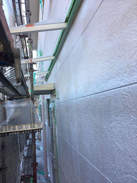 多治見市小名田町で外壁塗装 下塗り塗装1回目