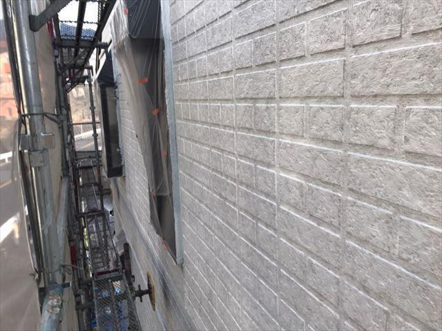 中津川市、外壁塗装の下塗り、完了