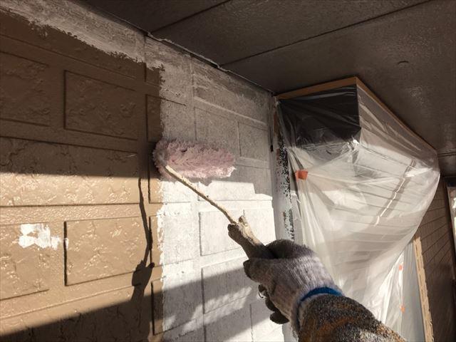 中津川市、外壁塗装の下塗り