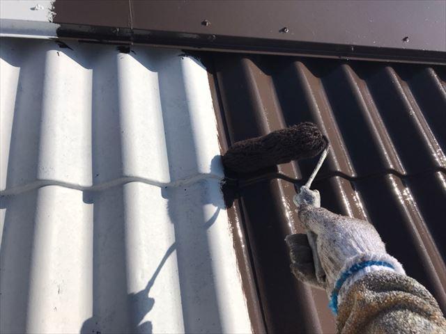 中津川市、屋根塗装中塗り