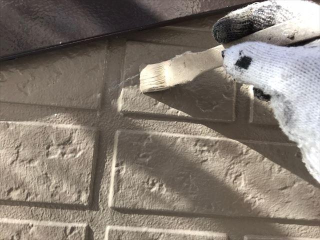 ひび割れている所の塗装