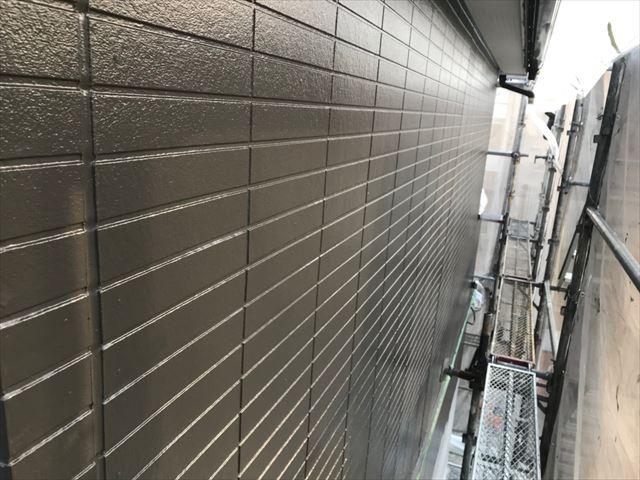 恵那市、外壁塗装の中塗り