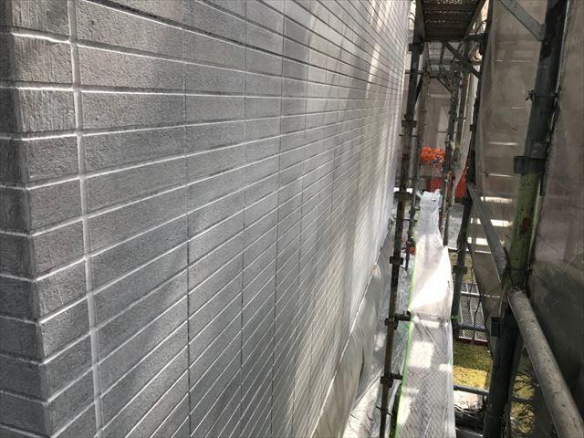 恵那市、外壁塗装の下塗り