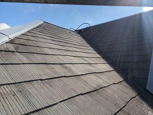 洗浄後のスレート屋根です