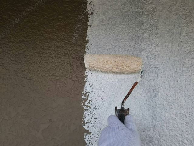 土岐市外壁塗り替え 下塗り
