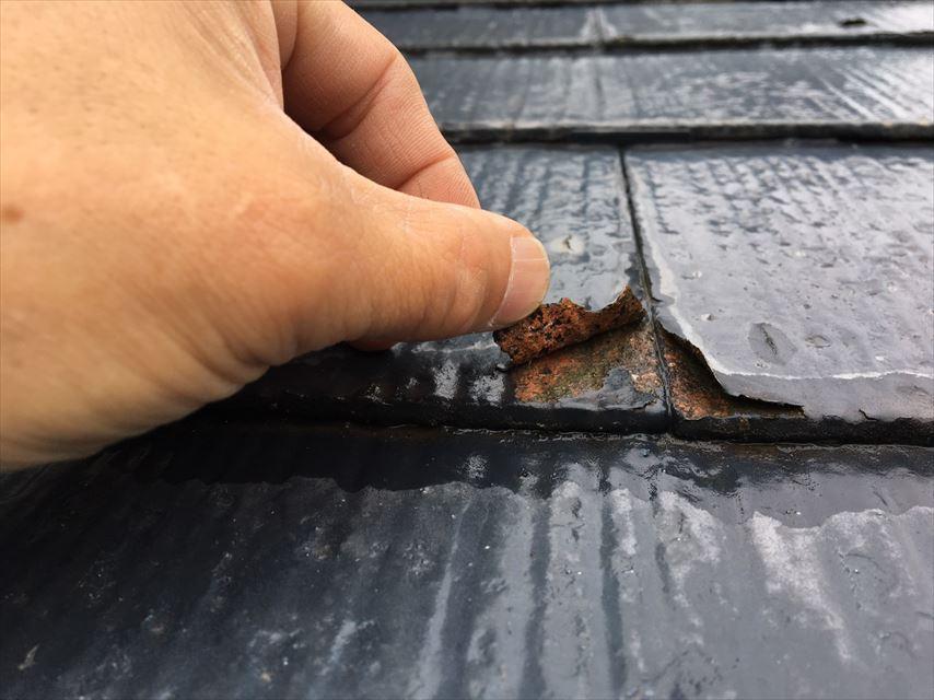 屋根の塗膜のめくれ