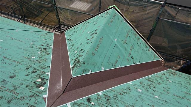 ガルテクト鋼板はり