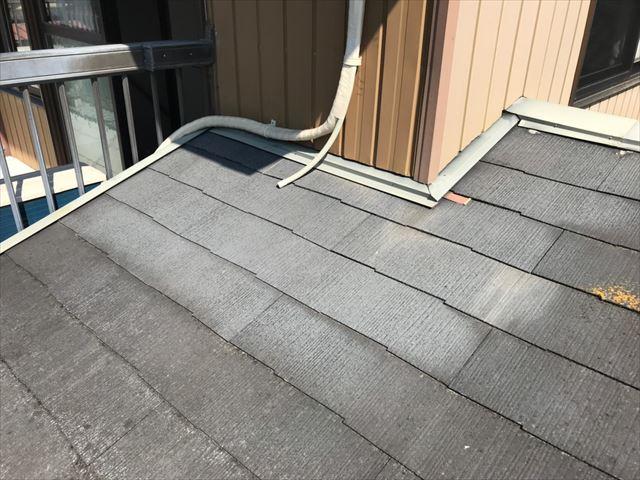 玄関上庇 、屋根の色褪せ