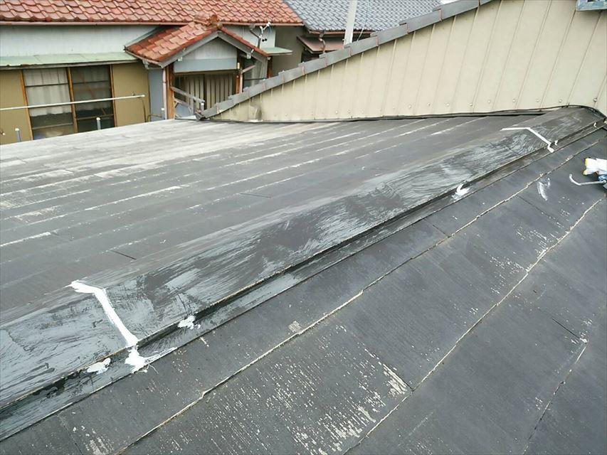 屋根の下地処理です