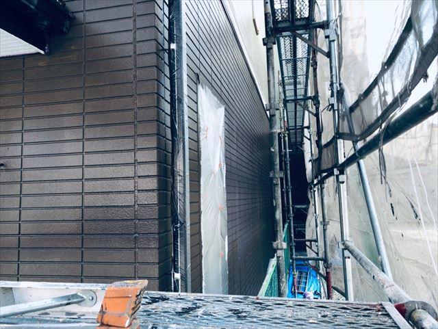 外壁の中塗り、完了です