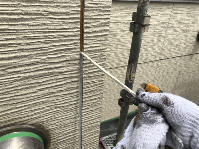 瑞浪市で外壁目地撤去