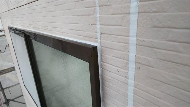 窓まわり、コーキング補修