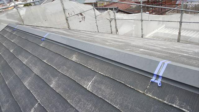 屋根の棟の板金、コーキング補修