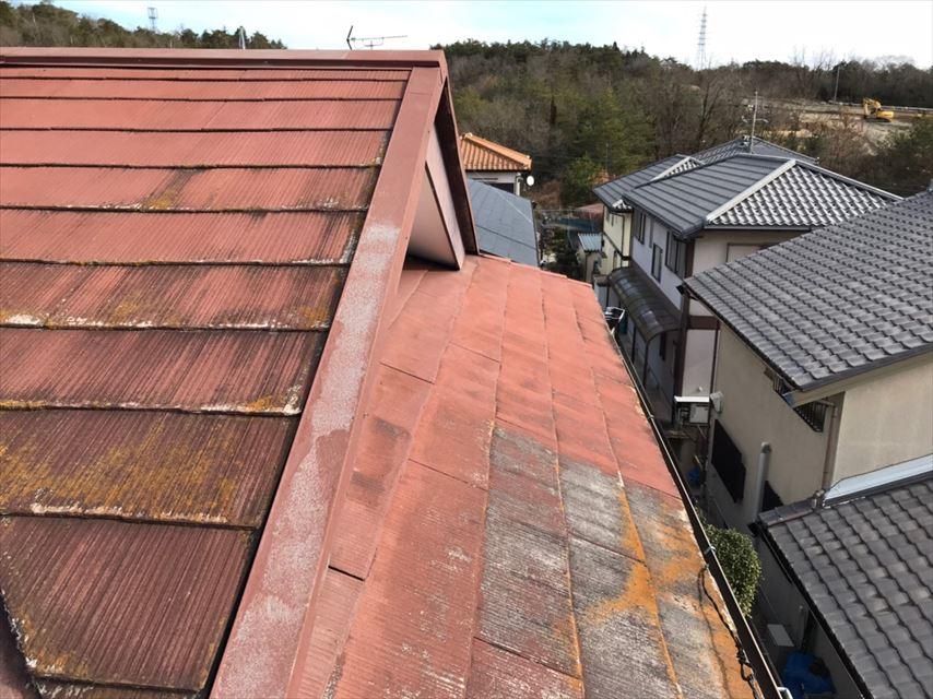 瑞浪市、屋根の塗膜の剥がれ