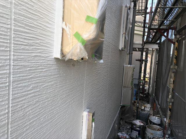 瑞浪市で屋根外壁塗装 外壁上塗り